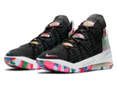 "『NIKE LEBRON 18""BLACK/PINK BLAST-MULTI-COLOR""』10月3日(土)発売!"